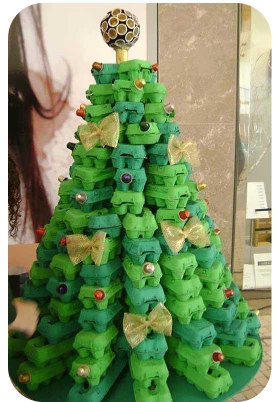 Egg-Cartoon-Christmas-Tree