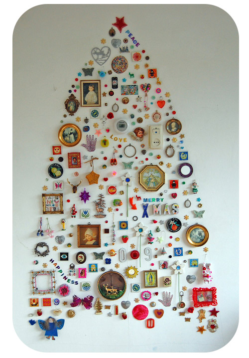 interesting-christmas-tree-collage-on-wall-gypsy-boho-style-fun-decoration-holiday[1]