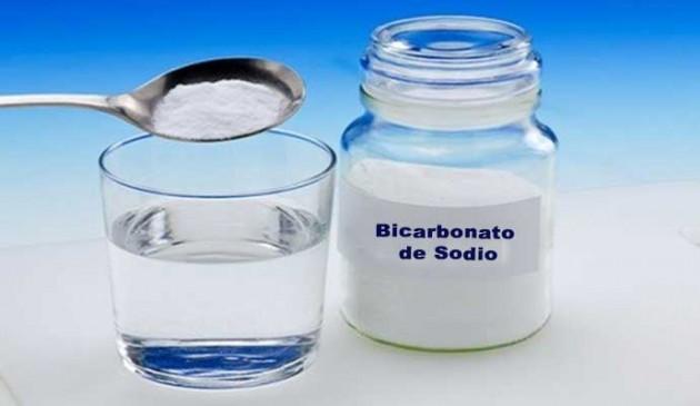 bicarbonato-de-sodio-y-agua