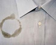 como-remover-manchas-de-óleo-da-roupa